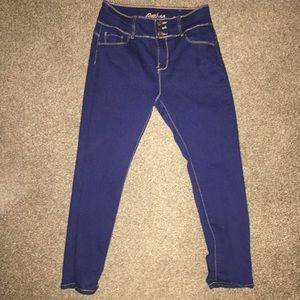 High wasted blue jeans